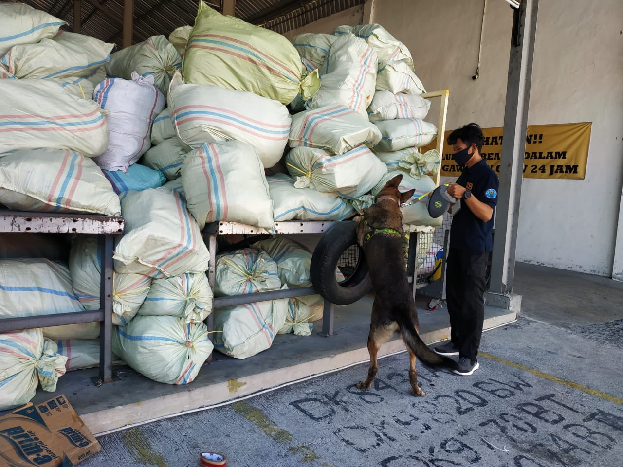 Pelacakan Narkotika di Perusahaan Jasa Titipan (PJT) Swasta